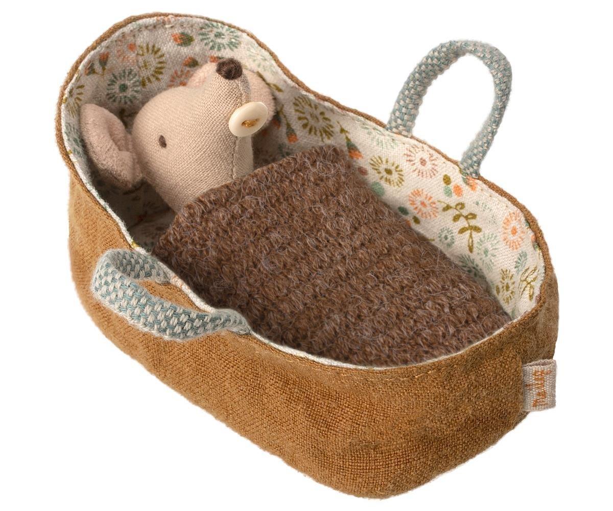 Maileg Baby Maus im Tragebettchen