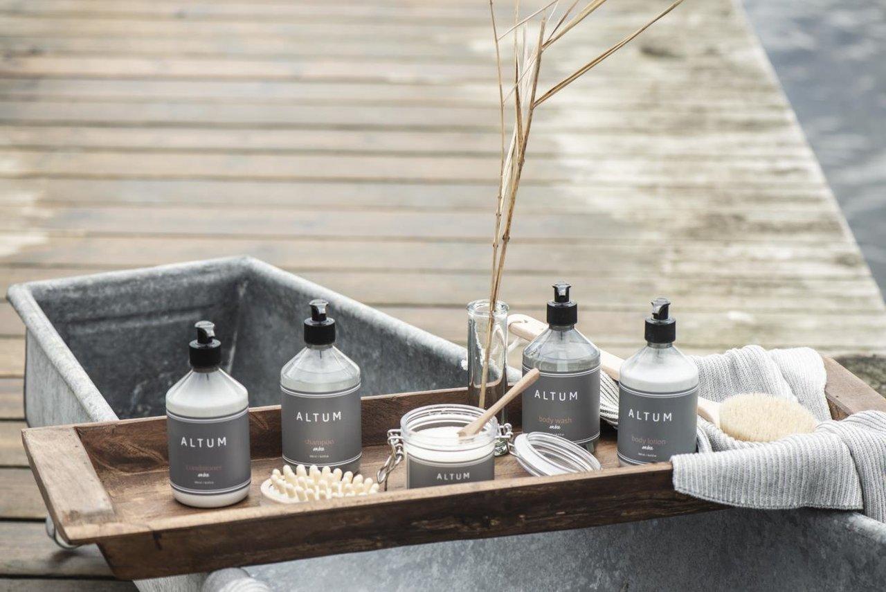 Impressionen zu Ib Laursen Badebürste mit langem Griff ALTUM, Bild 4