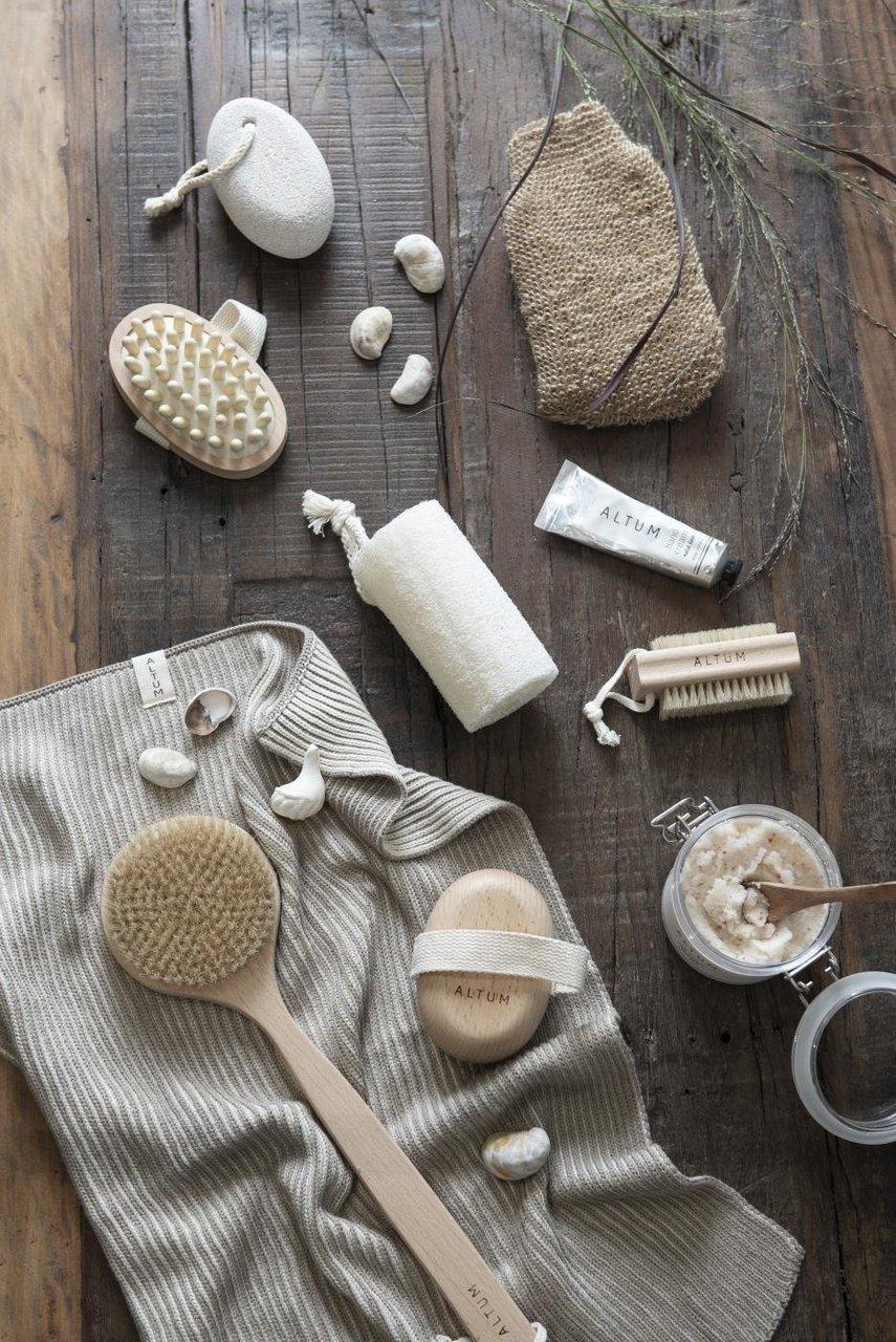 Impressionen zu Ib Laursen Badebürste mit langem Griff ALTUM, Bild 6