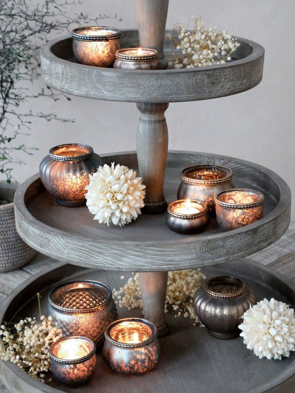 Drei Ebenen voller Kerzenschein