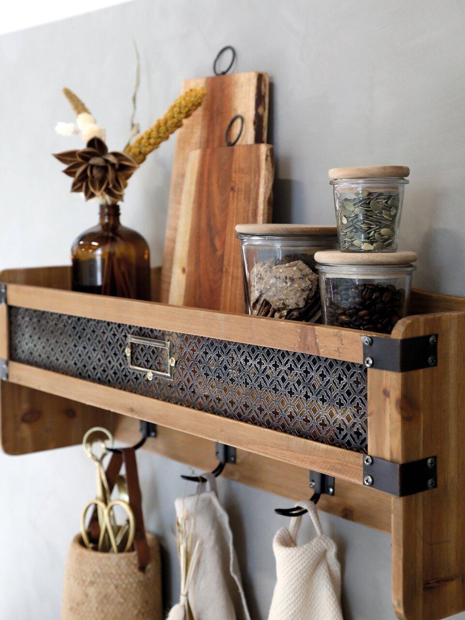 Nützliches Vintage Wandregal in der Küche