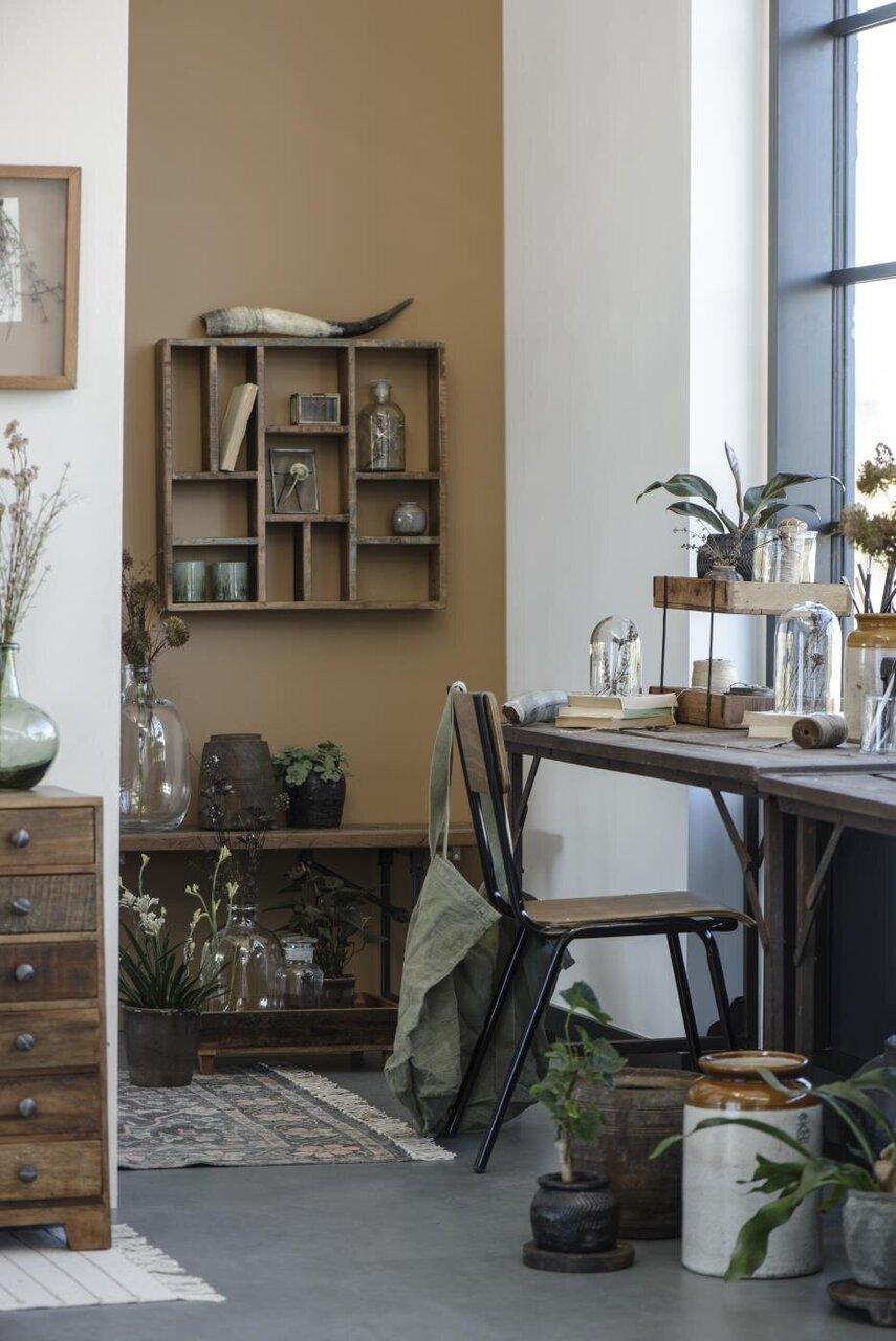 Impressionen zu Ib Laursen Stuhl aus Holz und Metall, Bild 2